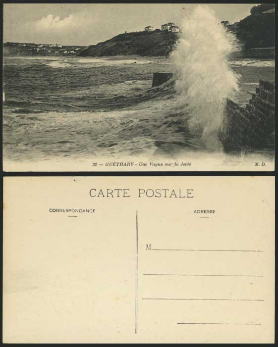 GUETHARY Rough Sea, Jetty Old Postcard Vague sur, Jetee
