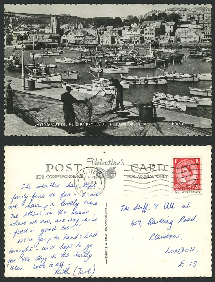 St. Ives 1963 Old Postcard Fishermen Laying Out Fishing Nets to Dry by Harbour